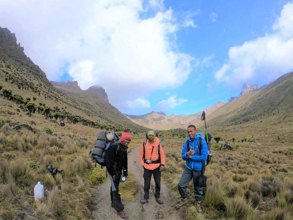 5 day mount kenya climb sirimon route
